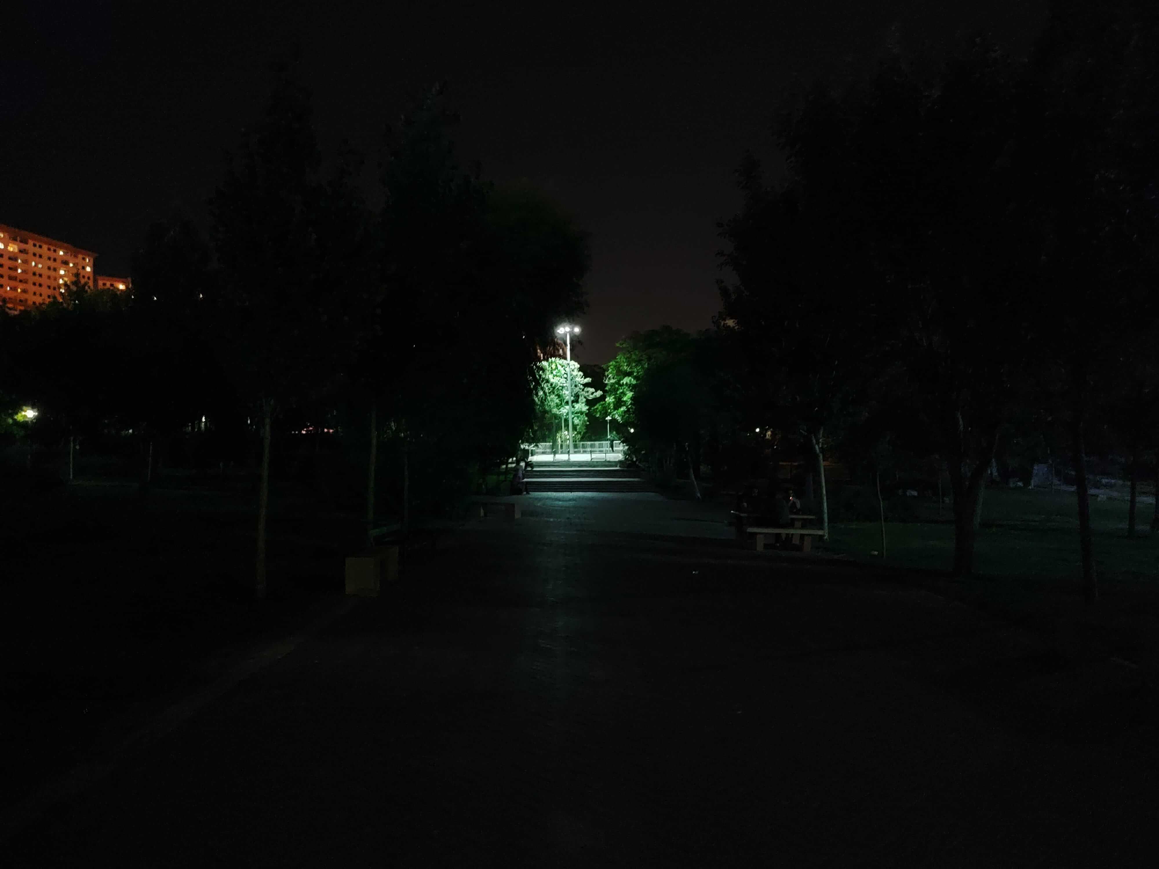 کیفیت دوربین نوت 10 پرو شیائومی در شب