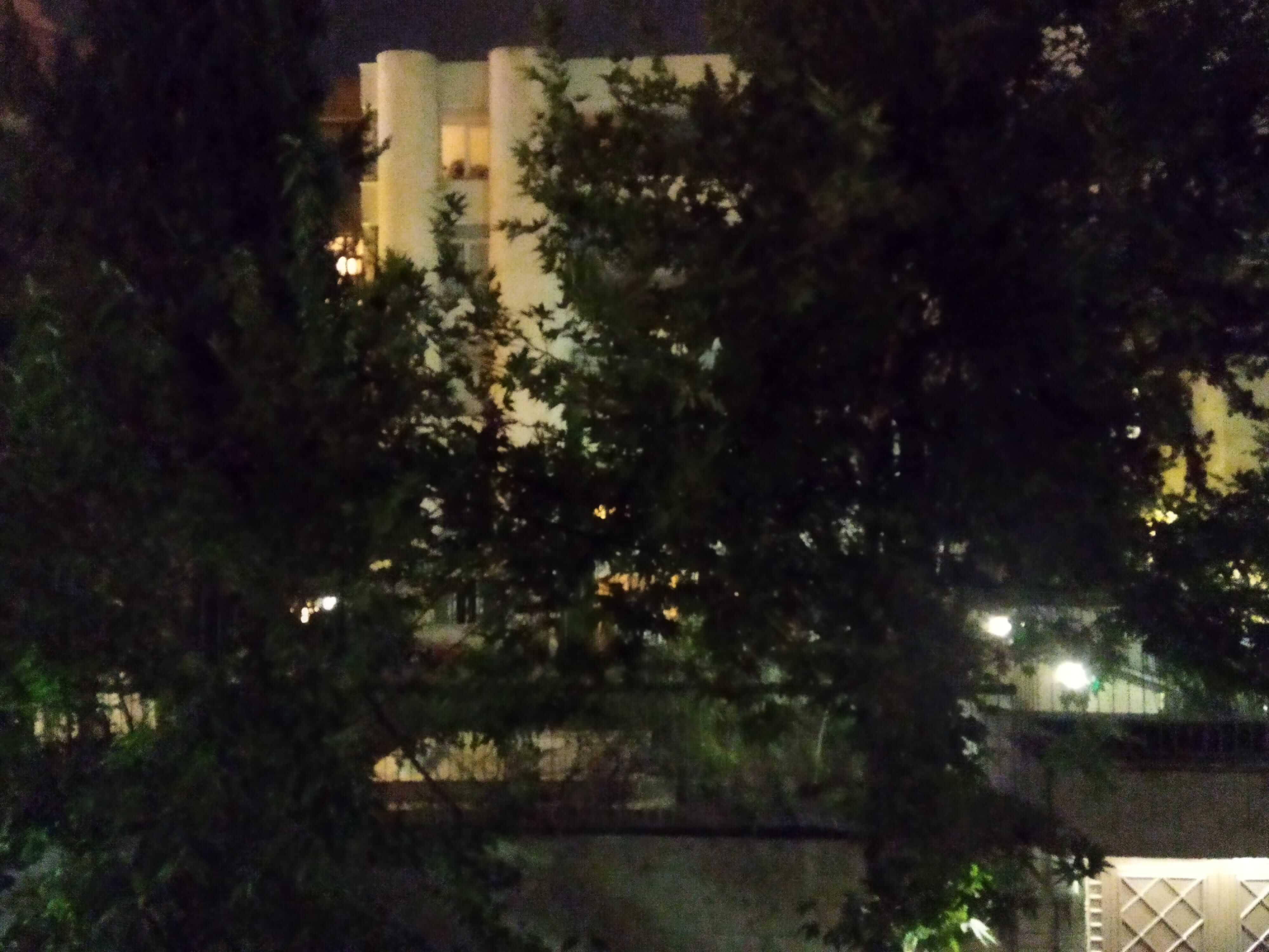 عکاسی در شب با پوکو m3