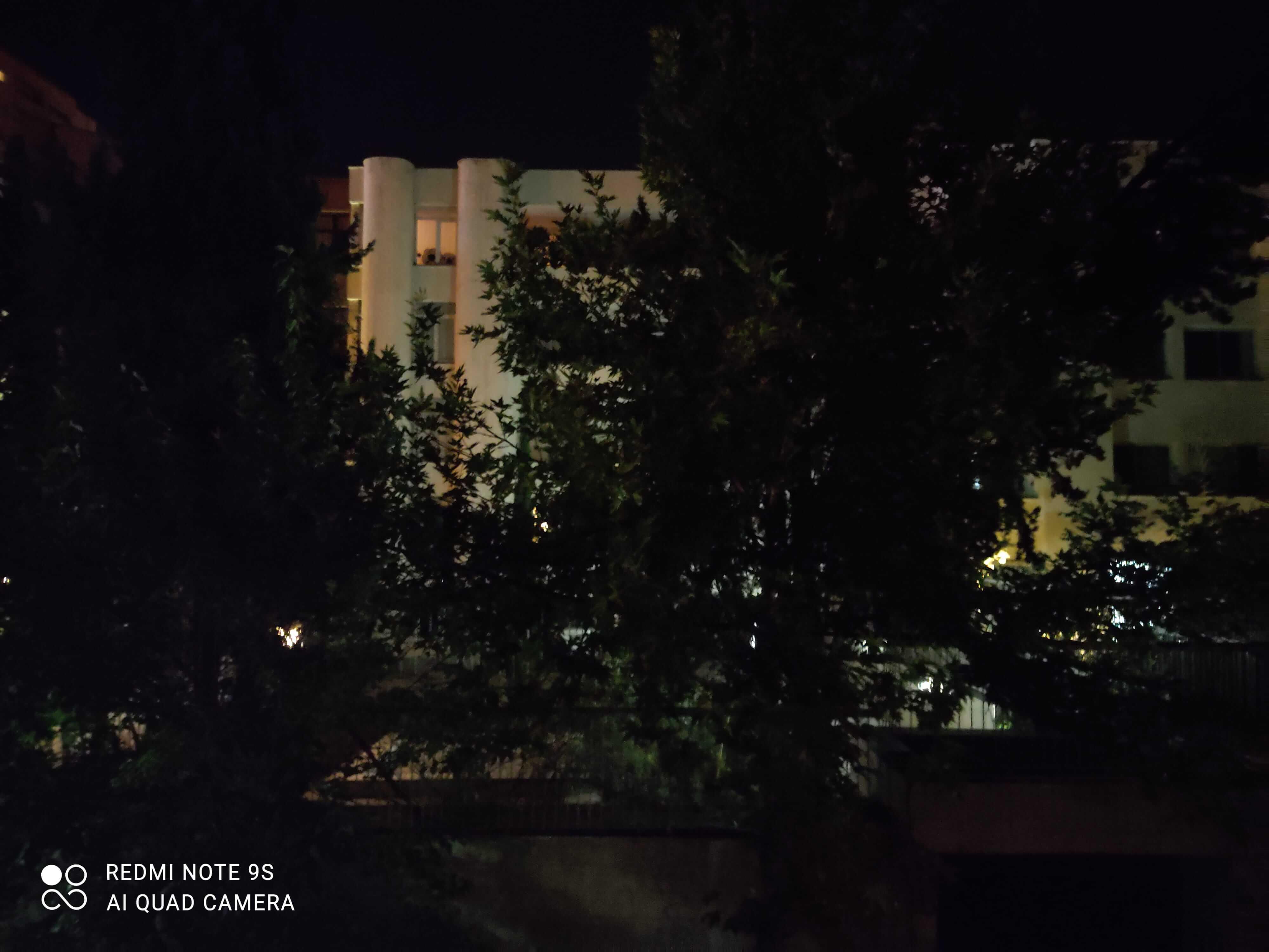 عکاسی در شب با ردمی نوت 9 اس