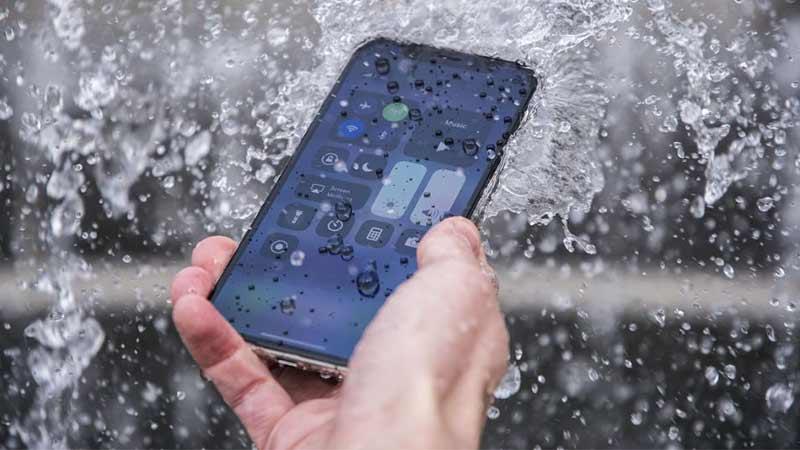 گوشی ضدآب iPhone SE(2020)